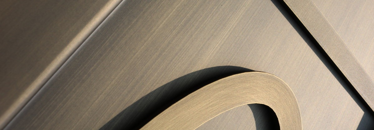 brushed metal effect paint givint to the surfaces a metallic and scratched appearance.